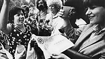 Das Bild entstand nach der Bekanntgabe des Urteils am 9. September 1981.