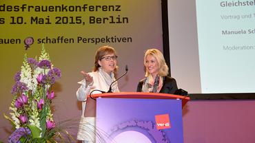 Stefanie Nutzenberger und Manuela Schwesig bei der 4. ver.di Bundesfrauenkonferenz
