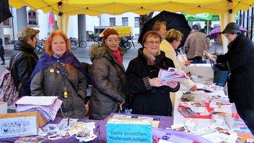 ver.di-Frauen in Rheinland-Pfalz am Infostand