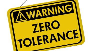 Warnung Hinweis Schild Null Toleranz