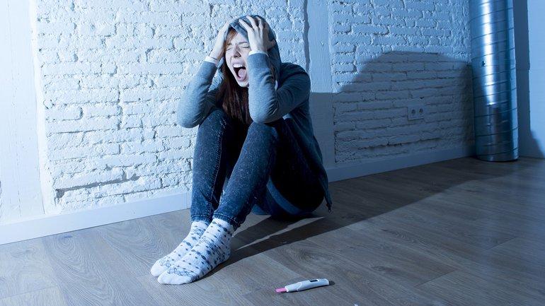 Teenager junge Frau Schwangerschaft Schock Schwangerschaftsabbruch