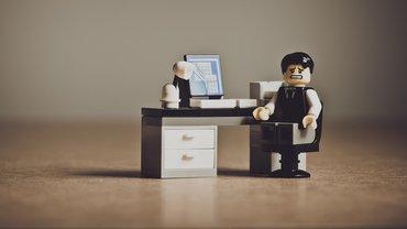 Büro Arbeitsplatz Angst Verzweiflung Playmobil Mann