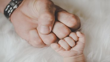 Vater Baby Kind Säugling Faust Familie Team