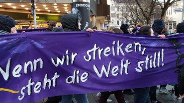 Frauen Streik Frauen*Streik Aktion 08. März 2019 (BÜHNE)